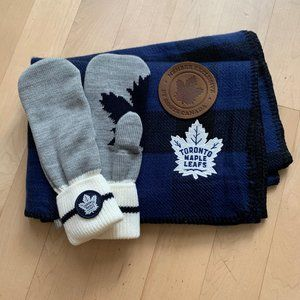 Roots X Toronto Maple Leafs Mitts Scarf Set NWOT